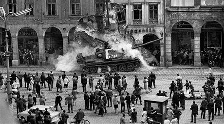 OBRÁZEK : okupace_1968_1.jpg